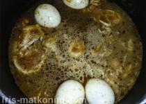 ביצים עם רוטב קנג'י (הודי)