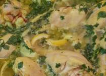 תבשיל עוף עם שומר ורצועות לימון